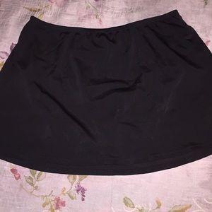 Jantzen Classics Black Swim Skirt Size 6      (S)